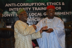 DSC_0134-ICPC-Acting-Chairman-Hon.-abdullahi-Bako-L-presenting-a-commemorative-plaque-to-Ebonyi-State-Governor-David